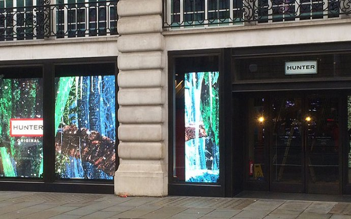Retail & Shopping Digital Signage - LED Screen Hire & AV Solutions